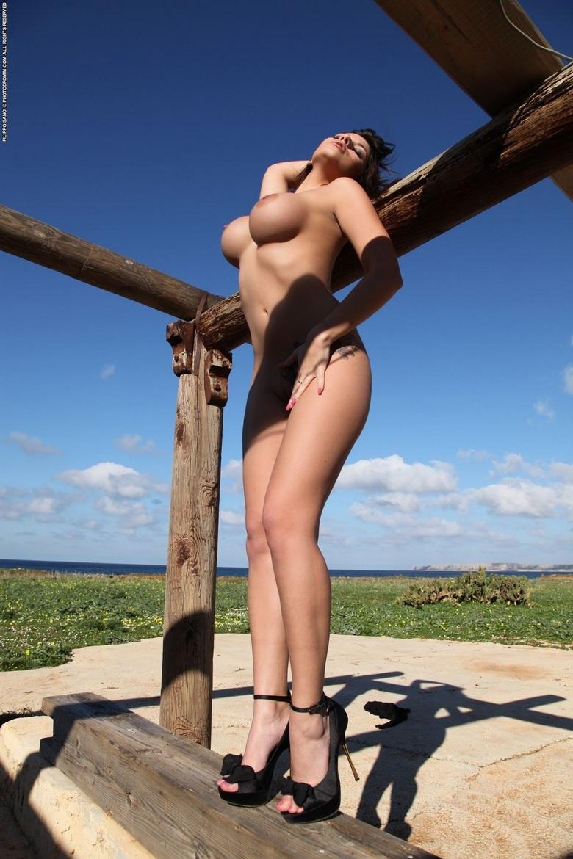 Большая грудь прекрасной Krystal