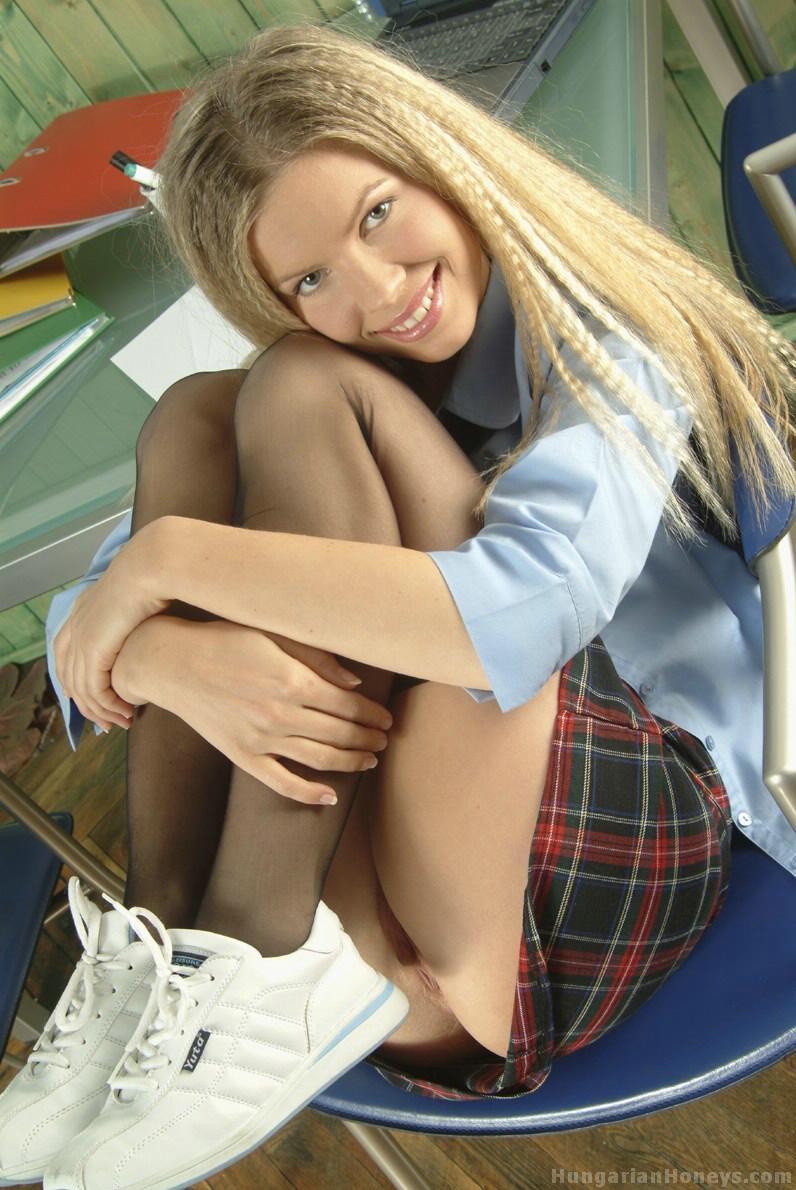 фото блондинка с рабочей большой пиздой