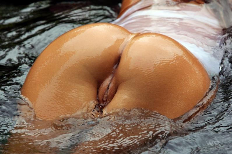 Горячие сырые красавицы с раздетыми прелестями порно галерея