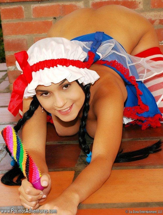 Голая попа красной шапочки порно картинки