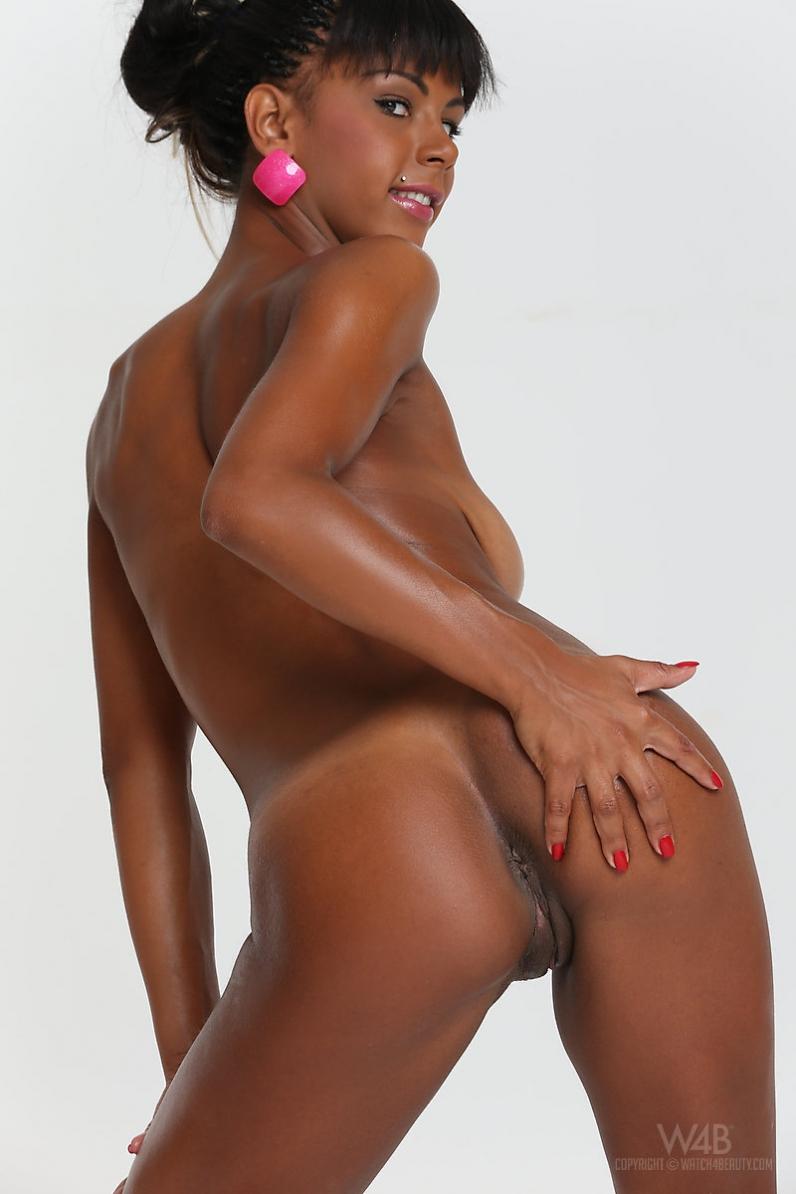 Горячая голая негритяночка Isabella Christin порно картинки