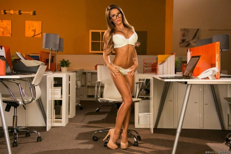 порнозвезда горячая девушка порно фото