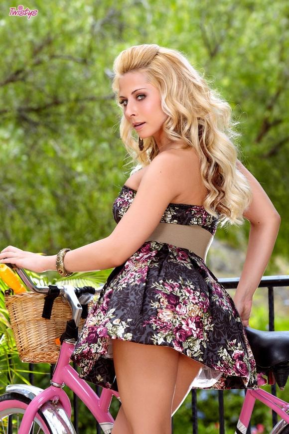 Красивая порнозвезда Madison Ivy