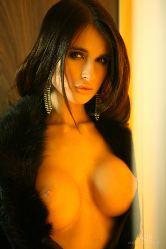 Крутая проститутка с огромными сисяндрами