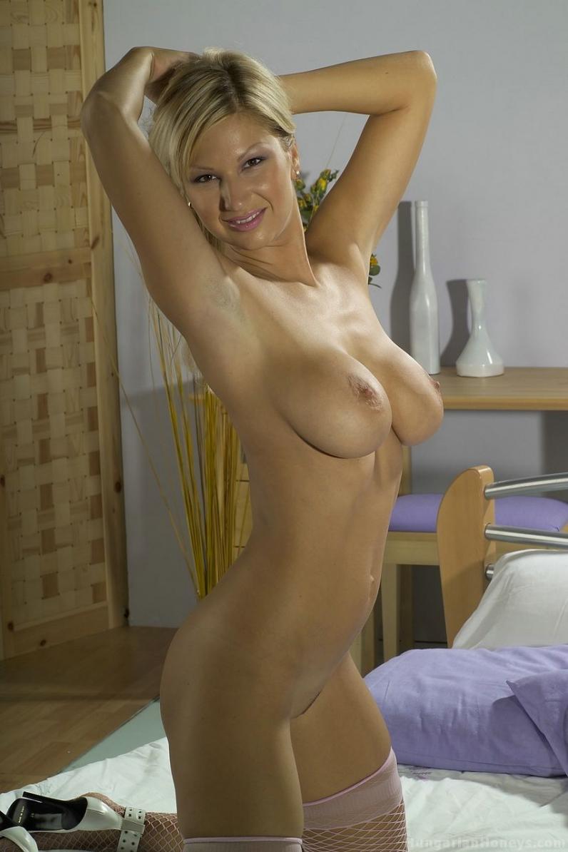 Кэрол в корсете галерея порно