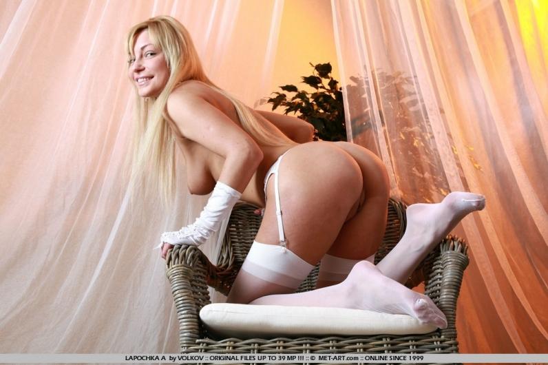 Жопа сладкой невесты в белой фате