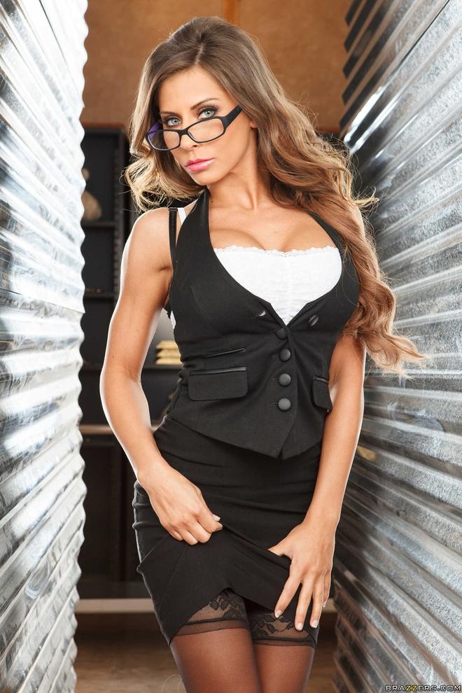 Сладкая секретарша в очках и сексуальном нижнем белье с ...: http://olxero.com/sladkaja-sekretarsha-v-ochkah-i-seksualnom-nizhnem-bele-s-chulochkami-post-2382.html
