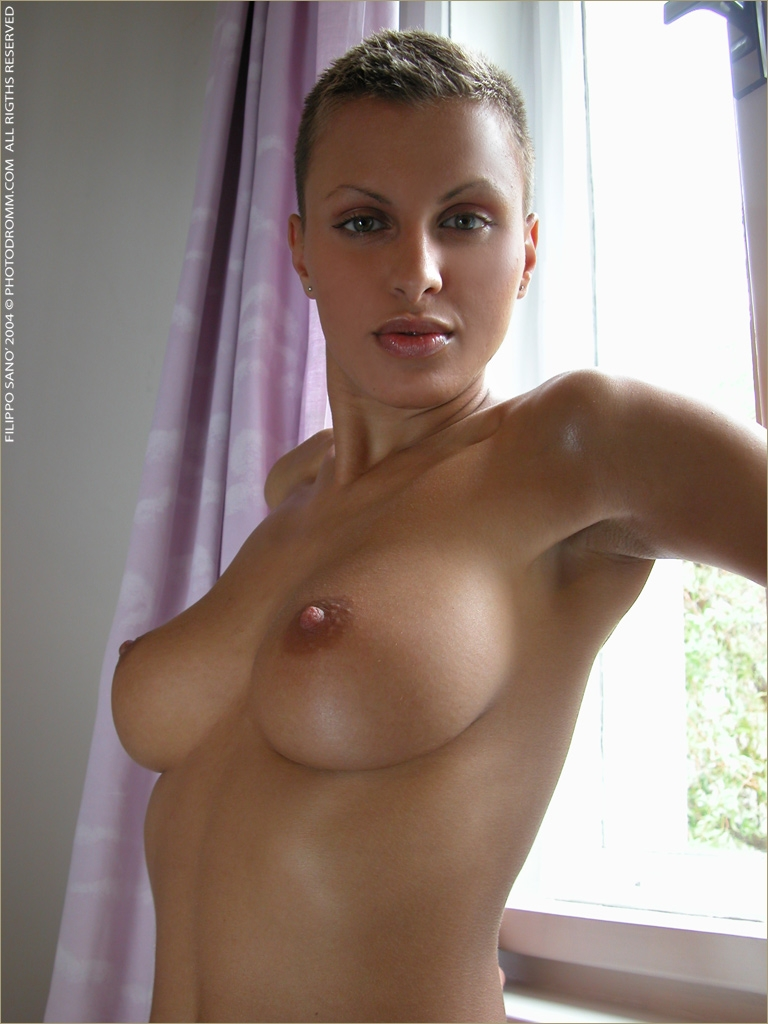 Известные порнозвезды с коррткой стридкой фото 726-505