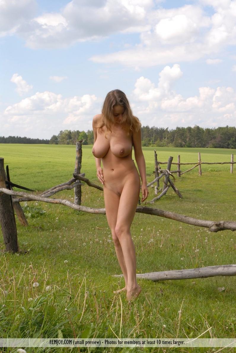 Русские деревенские голые красавицы 23 фотография