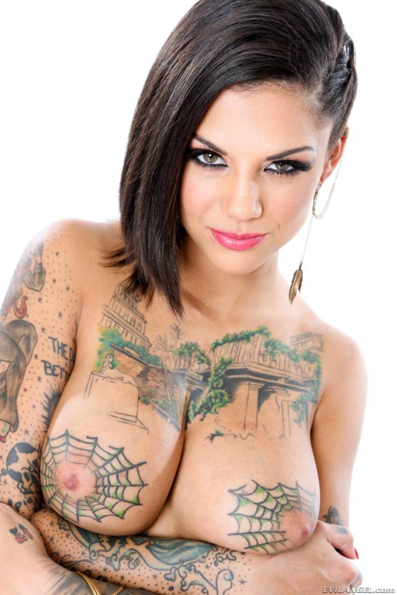 Татуировки у порно звезд 26 фотография