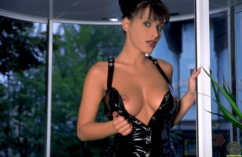 Небритая пизда Veronica Vanoza порно картинки