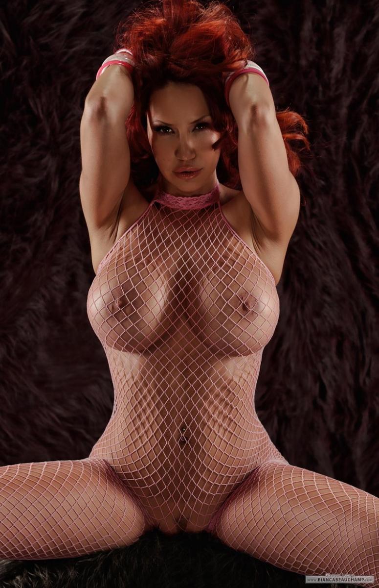 Рыжая Девушка В Масле С Большой Грудью