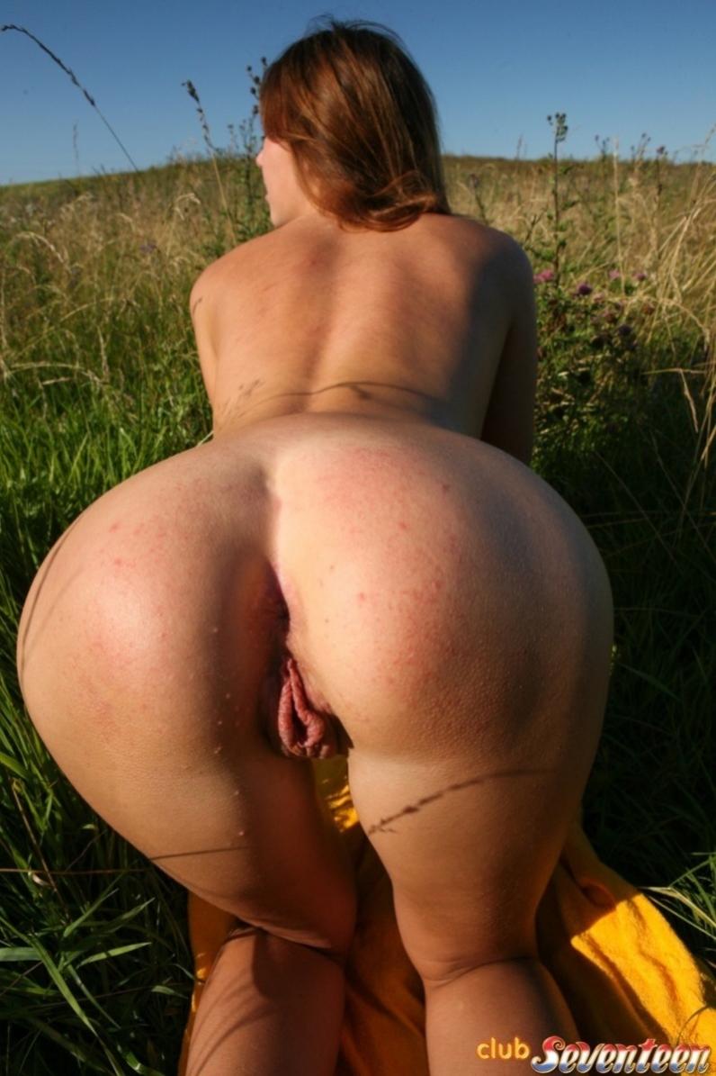 круглая попа голая