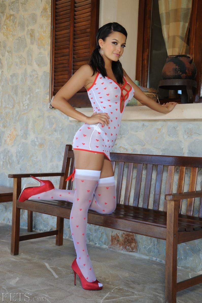 Голая девушка Sasha Cane секс-фото