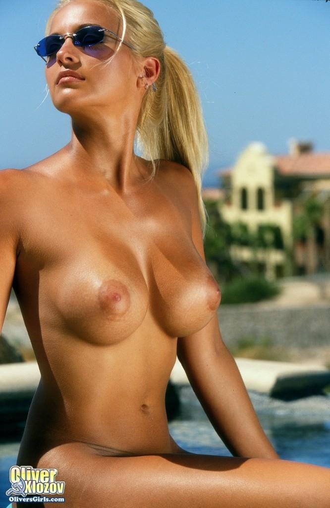 Светлая порноактриса Хезер топлесc секс фото