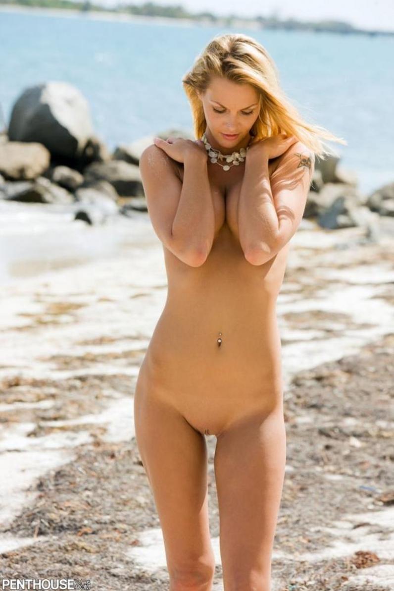 Сексуальная стройная девушка в розовом порно картинки