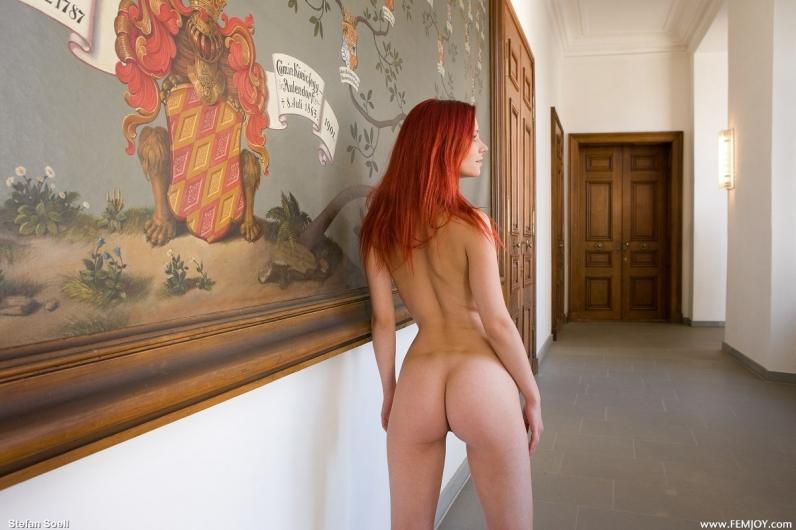 Голая рыжая девушка Ариэль порно картинки