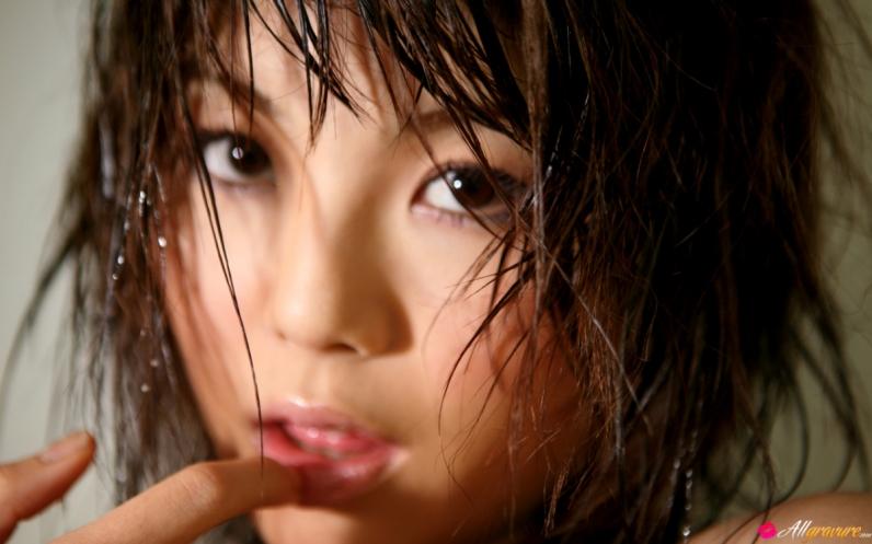 Китаянка с изящной мордашкой секс фото