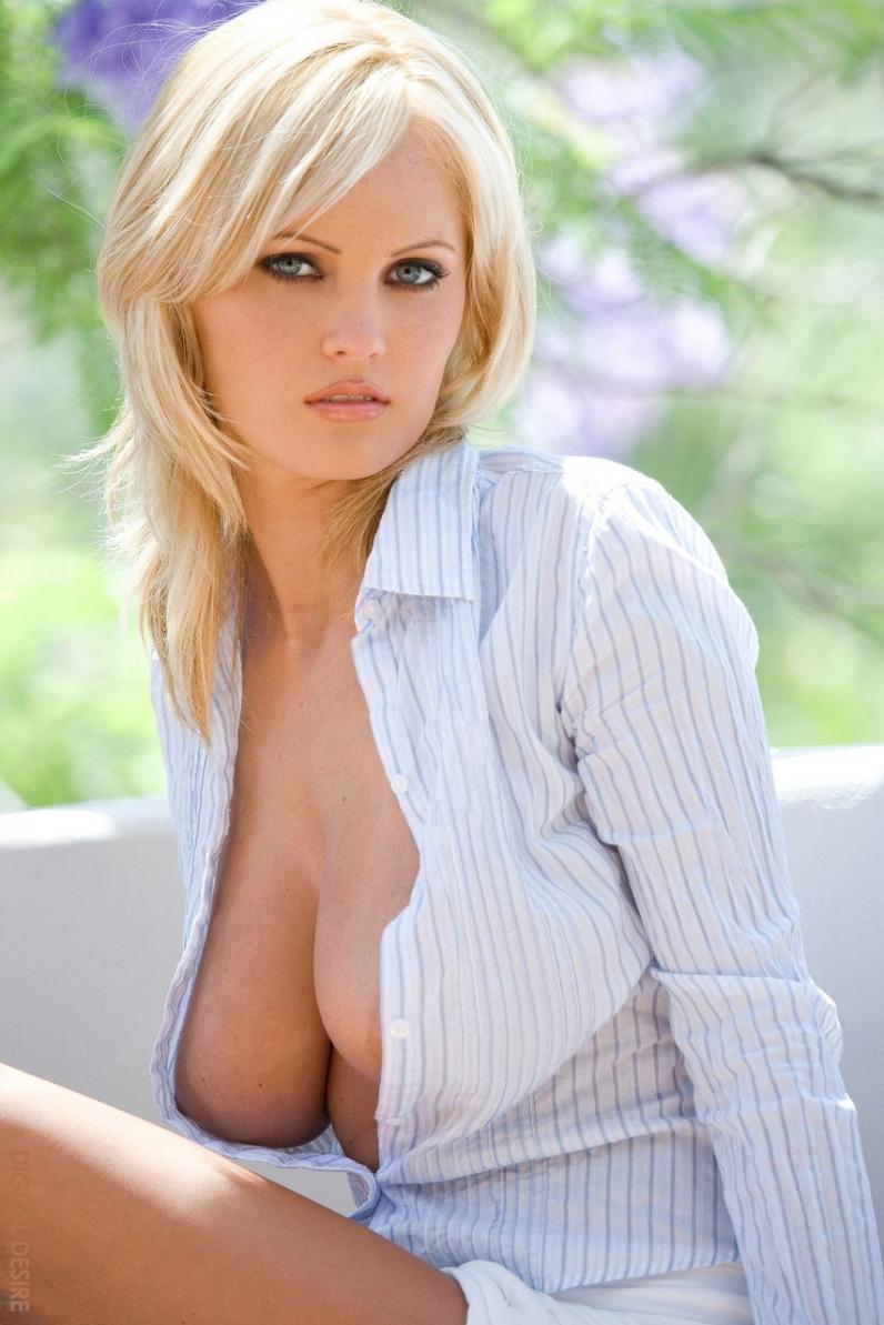 Диана с большими голыми сиськами порно картинки