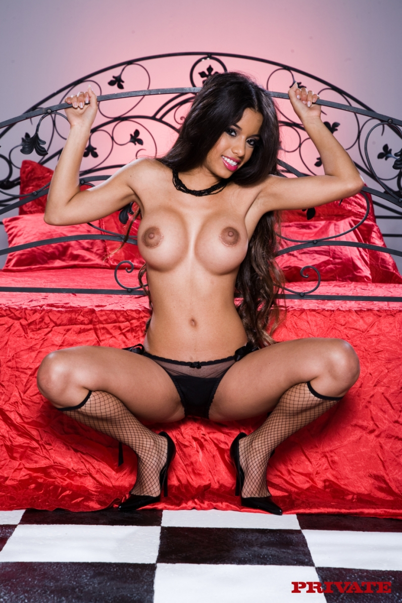 Молодая мулаточка Lupe Fuentes порно архив