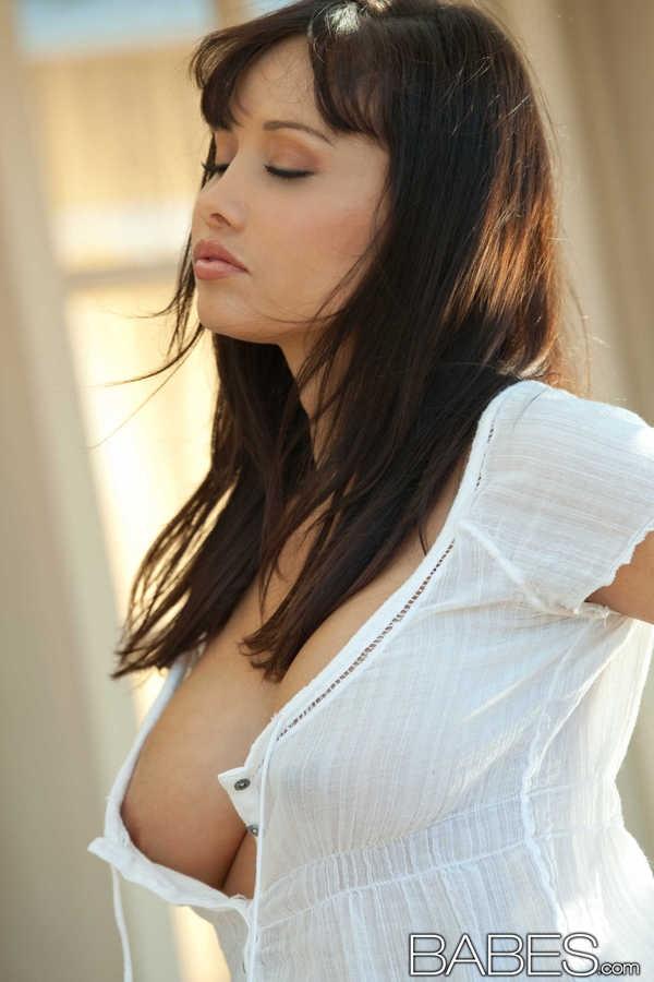Чувственная голая модель Lana Lopez галерея порно