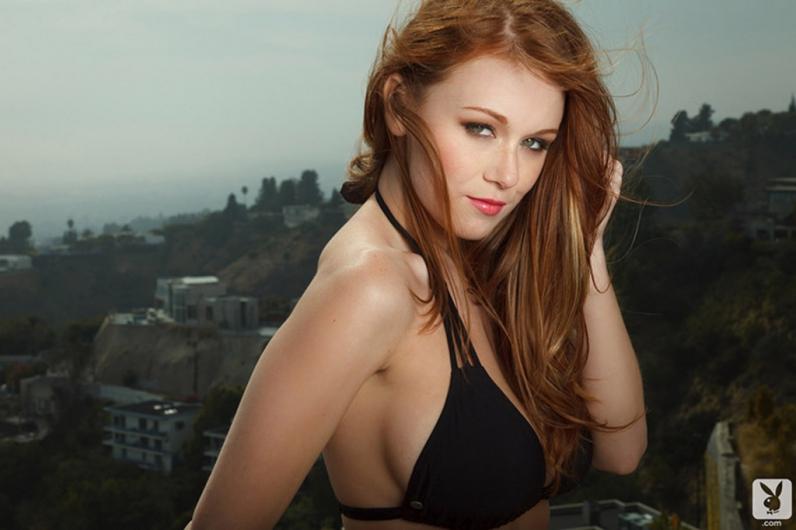 Рыжеволосая барышня с большими голыми титьками Leana Decker порно картинки секс фото