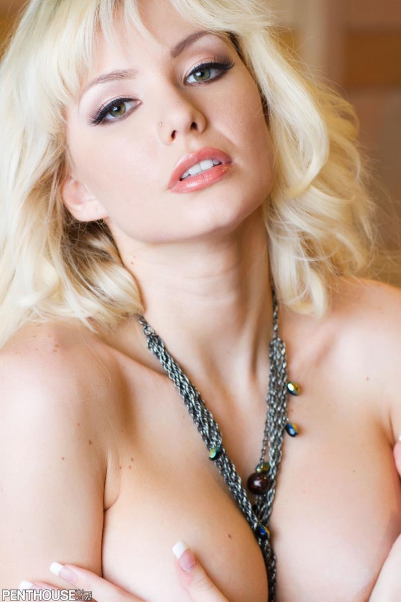 Отличные большие обнаженные сиськи Margo Russo порно картинки секс фото