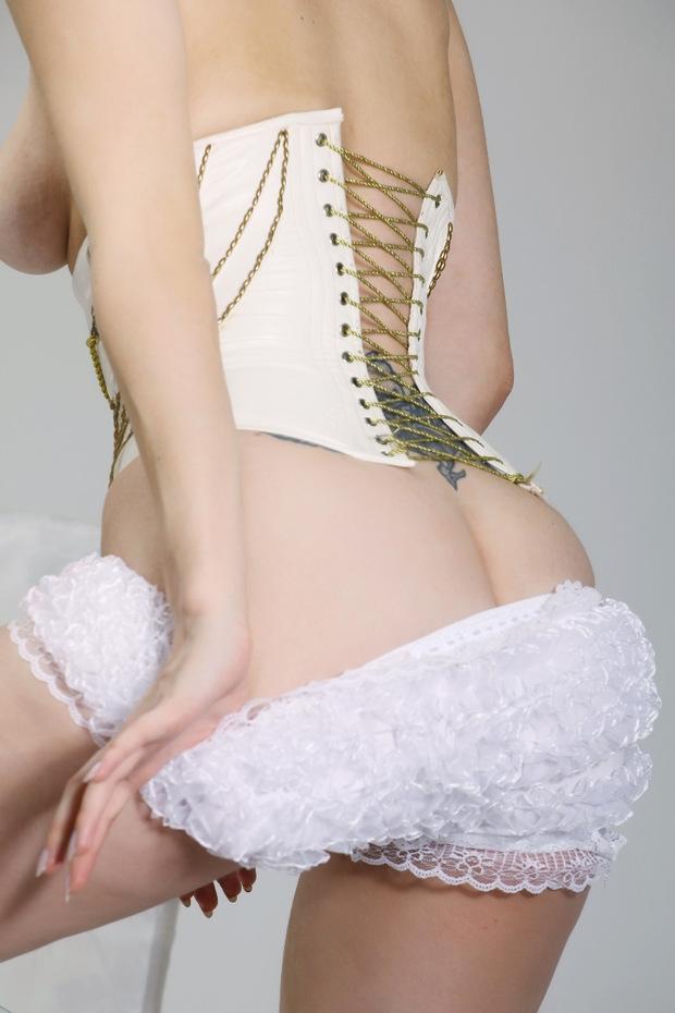 фото голой круглой груди