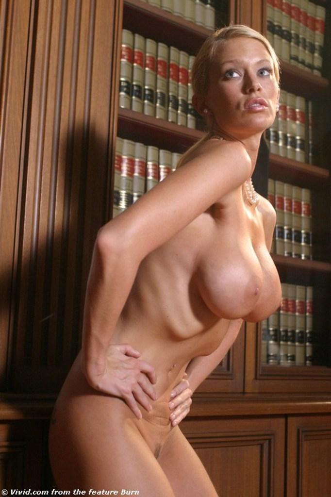 Смотреть порно библиотекарша на стремянке